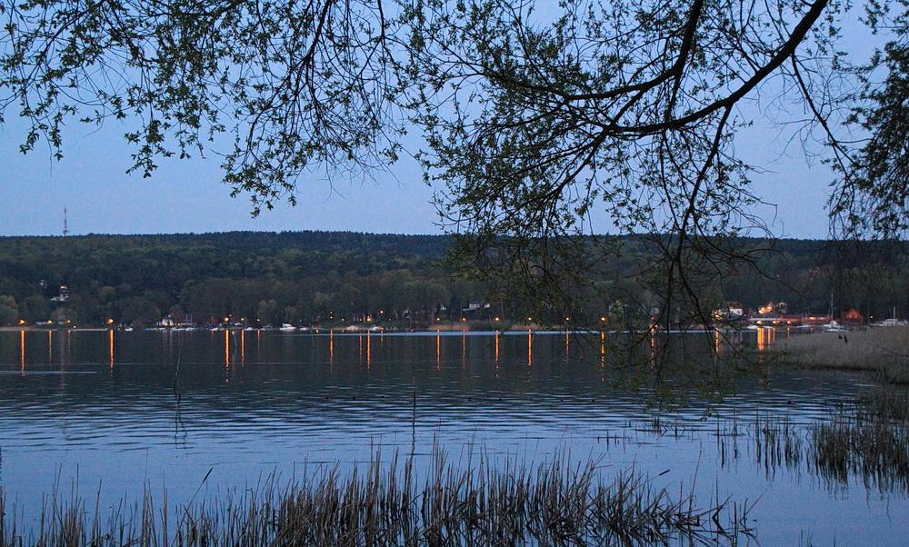 Ein schöner Tag neigt sich dem Ende zu, der Schwielowsee verabschiedet sich mit tollen Spiegelungen!