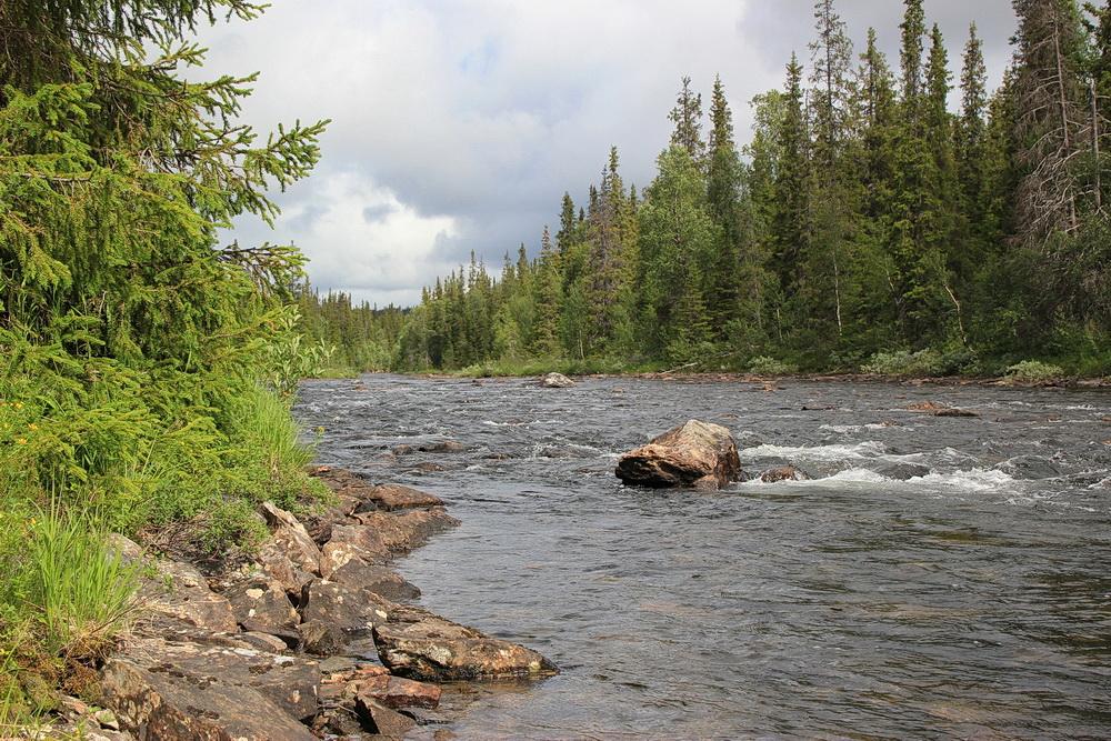 Der Weg verläuft immer am Fluß entlang und ist gut zu erkennen und zu begehen.