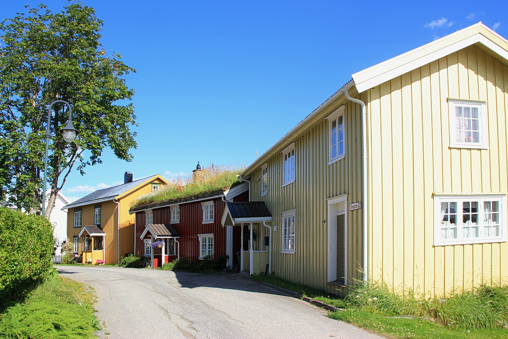Moholmen ist der schönste Teil der Stadt mit den alten bunten Holzhäuschen.